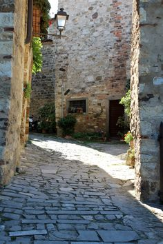 Montefioralle, Tuscany | Elle & Pear