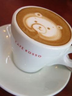 "I need to find a barista who can do this for me! ""Latte Bear! by Nagaremono. Amazing control by the barista."""