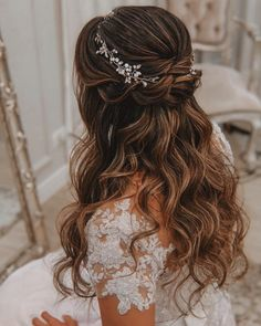 Stunning Wedding Hairstyles For The Elegant Bride - . - - Stunning Wedding Hairstyles For The Elegant Bride – … Saç Stilleri ve Yapımı Atemberaubende Hochzeitsfrisuren für die elegante Braut – # saçaksesuarları Quince Hairstyles, Wedding Hairstyles For Long Hair, Elegant Hairstyles, Hairstyle Wedding, Belle Hairstyle, Updo Hairstyle, Bride Hairstyles Down, Sweet 15 Hairstyles, Beautiful Hairstyles