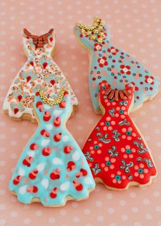 Cookie Art, Dresses - a patio luncheon for your girlfriends, with these adorable cookies at the end, will have them giving you high marks Fancy Cookies, Iced Cookies, Biscuit Cookies, Cute Cookies, Cupcake Cookies, Sugar Cookies, Cookies Decorados, Galletas Cookies, Cookie Frosting