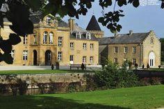 Vous n'êtes pas encore partenaire de Bontourism®? Comme Le Domaine Château du Faucon, rejoignez notre réseau de professionnels de l'hôtellerie.