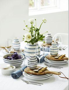 Det smukke Hammershøis stel i kombination med Omaggio vaser kan skabe et unikt bord til en særlige lejlighed. #inspirationdk #borddækning