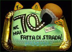 Torta Strada e Galleria, decorata in pasta di zucchero