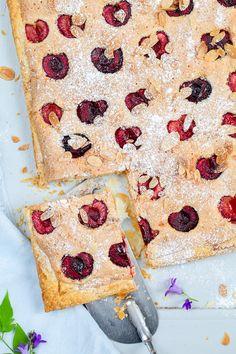 Ein Rezept für feine Kirsch Frangipane Blätterteig Tarte - denn das Runde muß ins Eckige oder: gib mich die Kirsche