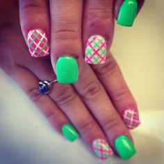 Preppy plaid nails