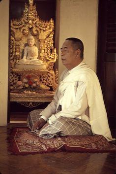 sayagyi u ba khin -Ruth Denison's Teacher Vipassana Meditation, Buddha Life, In A Heartbeat, Buddhism, Old Photos, Statue, Photo And Video, Heart Beat, Painting