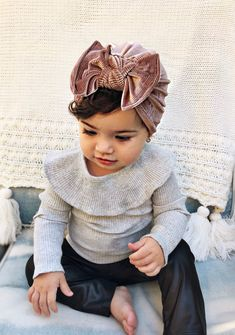 Winter Mauve Hat: (Velvet) w/ Flat Bow – baby turban hat with bow, newborn hat, baby bow hat, velvet baby hat Winter Mauve: Fluwelen platte strik baby tulband hoed met strik So Cute Baby, Cute Baby Clothes, Cute Kids, Cute Babies, Babies Stuff, Bows For Babies, Baby Outfits, Outfits Niños, Kids Outfits