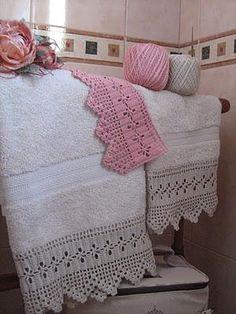 Asciugamani con bordure.