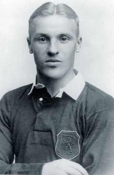 A fresh-faced Shanks during his Preston North End days