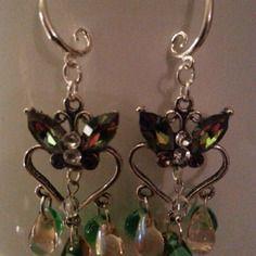 Sublimes boucles d'oreilles agrémentées de navettes swarovski vitrail, toupies cristal et strass