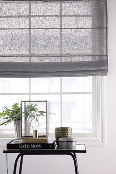 Interior crisp: Decorating ideas - 10 reasons to choose blinds. Home Curtains, Curtains With Blinds, Valance, Curtain Inspiration, Interior Design Inspiration, Transitional Decor, Living Room Interior, Scandinavian Style, Home And Living