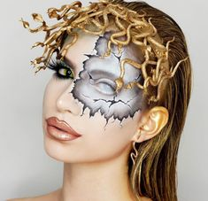 Are you looking for some scary and unique Halloween makeup ideas? Look at our gallery. We have handpicked shocking makeup looks for Halloween Women Unique Halloween Makeup, Halloween Looks, Halloween Diy, Halloween 2019, Medusa Makeup, Fx Makeup, Medusa Costume Makeup, Masque Halloween, Fantasy Makeup