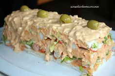 PASTEL DE VERANO Mexican Food Recipes, Snack Recipes, Cooking Recipes, Snacks, Spanish Dishes, Latin Food, Fish Dishes, Savoury Cake, International Recipes