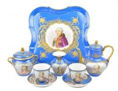 A SEVRES PORCELAIN FIVE-PIECE TEA SERVICE : Lot 4