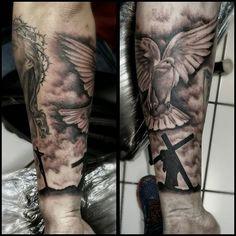 #longlifetattoo #tattoo #tattoooftheday #dove #holyspirittattoo #crucifixion #jesus #christ #empire_tattoo_boston #bostonart #bostontattoos #bostontattooartist #orlandotattoos #orlandotattooartist #orlandofl #ink #tattoo #bostontattoo www.empiretattooinc.com