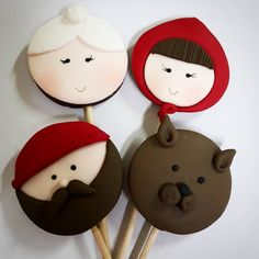 Pirulitos chapeuzinho vermelho #pirulitos #chapeuzinhovermelho #lobomau #vovozinha #pastaamericana #fondant #personalizados… Red Riding Hood Party, Crayon Painting, Fondant Cookies, Little Red, Chocolates, Cupcake, Alice, Birthday, Ideas