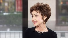 Annie Potts: Trapeze routine 'easiest part' of 'Pippin'
