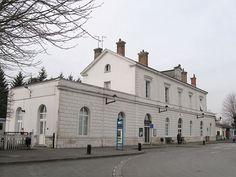 Gare de Romorantin-Blanc-Argent : Nom : Romorantin-Blanc-Argent Adresse : Rond point de la gare Code Postal : 41200 Ville : Romorantin-Lanthenay Pays : France Voies : 4 + voies de garages Propriétaire : RFF, SNCF exploitant : SNCF