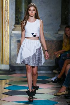 Kristina Ti Ready To Wear Spring Summer 2016 Milan - NOWFASHION