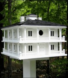 Plantation birdhouse