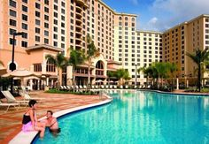Rosen Shingle Creek Orlando (Florida) A top-rated golf course, a full-service spa and gourmet dining options are available at this resort. Situated on 230-acres, this Orlando, Florida resort is 3.2 km from International Drive.