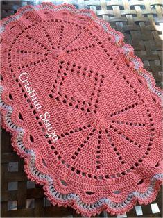 The Snow is Dancing pattern by Darma Bregoli Crochet Mat, Crochet Table Runner, Crochet Squares, Crochet Home, Thread Crochet, Crochet Doilies, Crochet Stitches, Free Crochet, Irish Crochet
