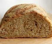 Ciemny znaczy zdrowszy – czy na pewno. Przepis na chleb pszenny razowy