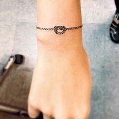 Sou Adulta Agora: Tatuagem ou Pulseira?