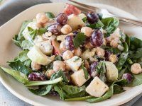 YUMM this salad sounds delish, I love regular Waldorf salad already! Recipe: Chickpea Waldorf Salad — Lunch Recipes from The Kitchn Apple Recipes, Lunch Recipes, Fall Recipes, Vegetarian Recipes, Cooking Recipes, Healthy Recipes, Pita Recipes, Appetizer Recipes, Dinner Recipes