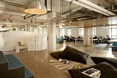 6 Seeyond Office Design 700x466 Runways San Francisco Startup Incubator Offices / FME + Seeyond