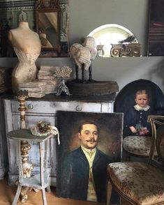 Vintage Vignettes, Cottage Farmhouse, French Chic, Store Displays, Baby Dogs, Deco, French Antiques, Sweet Home, Shabby Chic