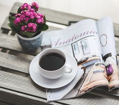 Best Time of Day to Drink Coffee. Do you like your coffee? You may not believe it but this is the Best Time of Day to Drink Coffee. Coffee Drinks, Coffee Cups, Coffee Maker, Drinking Coffee, Coffee Coffee, Coffee Humor, Coffee Shop, Good Morning Picture, Morning Pictures