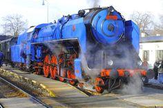 Old Steam Locomotive 喔!!!藍色..........