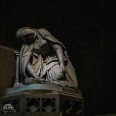 https://flic.kr/p/GKGRE8 | ... till the end | a sculptere inside the St. Vitus Church of Prague