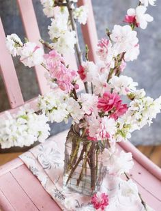 Crabapple delight! More ideas for spring decorating: http://www.midwestliving.com/homes/entertaining/spring-centerpieces/?page=38,0