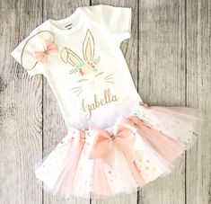 Easter Outfit - Gold and pink Easter Birthday Outfit Birthday blush pink Baby Girl Boho Easter Bunny Floral Outfit Some bunny Easter - Cumpleaños del conejito - Birthday Pink First Birthday, 1st Birthday Party For Girls, Bunny Birthday, 1st Birthday Outfits, Turtle Birthday, Turtle Party, Birthday Parties, Baby Girl Tutu, Baby Girl Names