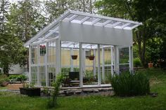 23 Small Greenhouse Made From Old Antique Windows – Wonderfulbackyard Window Greenhouse, Outdoor Greenhouse, Cheap Greenhouse, Backyard Greenhouse, Greenhouse Growing, Greenhouse Plans, Greenhouse Wedding, Plant Watering System, Free Standing Pergola