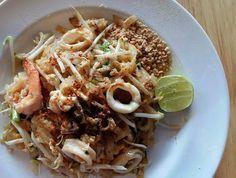 หิวมั้ยยยย ��  #ผัดไทย #thaicuisine #foods #thaifood #delicious #foodstagram #noodles #noodles #dinner http://w3food.com/ipost/1523272887778349265/?code=BUjwJ7sAxDR