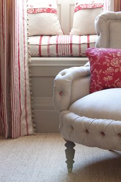 Cottage ● Accent Chair & Window Seat - Red trim on pillows! Decor, Soft Furnishings, Room, Home, White Decor, Cottage Decor, Upholstery, Red Cottage, Furnishings