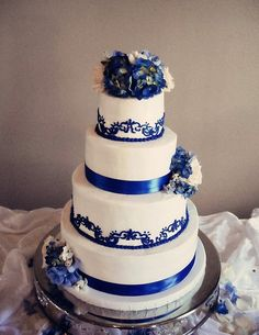 Affordable Wedding And Quinceanera Cakes - Glendale, CA Royal Blue Wedding Cakes, Round Wedding Cakes, Beautiful Wedding Cakes, Beautiful Cakes, Quinceanera Cakes, Quinceanera Decorations, Cool Cake Designs, Wedding Cake Designs, Our Wedding