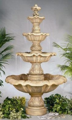 This gorgeous fountain is a tribute to the greatest rebirth of design and artistic creation the world has ever seen, and it surely won't disappoint.