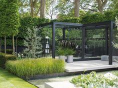 gorgeous modern garden