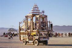 Image: Shrine art car (© Scott London, http://www.scottlondon.com/burningman)
