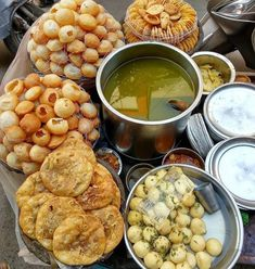 Perfect snacking for the evening. Comment down below. Indian Food Recipes, Healthy Recipes, Ethnic Recipes, Good Food, Yummy Food, Indian Street Food, Desi Food, Chaat, My Best Recipe
