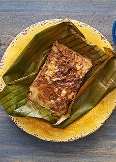 Receta de tamales de mole poblano con queso oaxaca. Esta receta es una completa delicia, a todos les va a fascinar este antojito mexicano buenísimo.