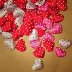 Remember your valentine with these Polka Dot Heart Applique  #craft365.com
