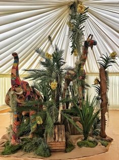 High quality Patchwork Elephant available to hire. View Patchwork Elephant details, dimensions and images. Africa Theme Party, African Party Theme, African Wedding Theme, Safari Theme Party, Jungle Party, Jungle Theme, Safari Party Decorations, Party Themes, Party Ideas