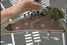 """Junebum Park, 3 Crossing, Single Channel, DV, 0'43"""", NTSC, SILENT COLOR 2002"""