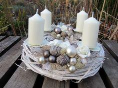 Christmas Advent Wreath, Merry Christmas, Christmas Decorations, Xmas, Table Decorations, Centerpieces, Wreaths, Seasons, Floral