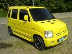 nice yellow ugly rim. Wagon R, Old School Cars, City Car, Car Painting, Buses, Cars And Motorcycles, Chicken, Yellow, Nice